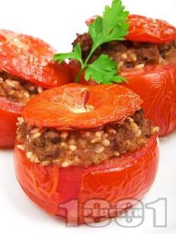 Пълнени домати с кайма и ориз - снимка на рецептата